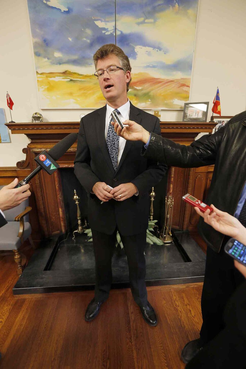 Justice Minister Andrew Swan invited the media into his legislature office to hold a scrum n which he said Greg Selinger has to quit as NDP leader because of poor poll numbers. Swan ran against Selinger in a leadership contest five years ago. He had to pull out because of his poor showing. He entrenched himself in the Selinger camp at that time.