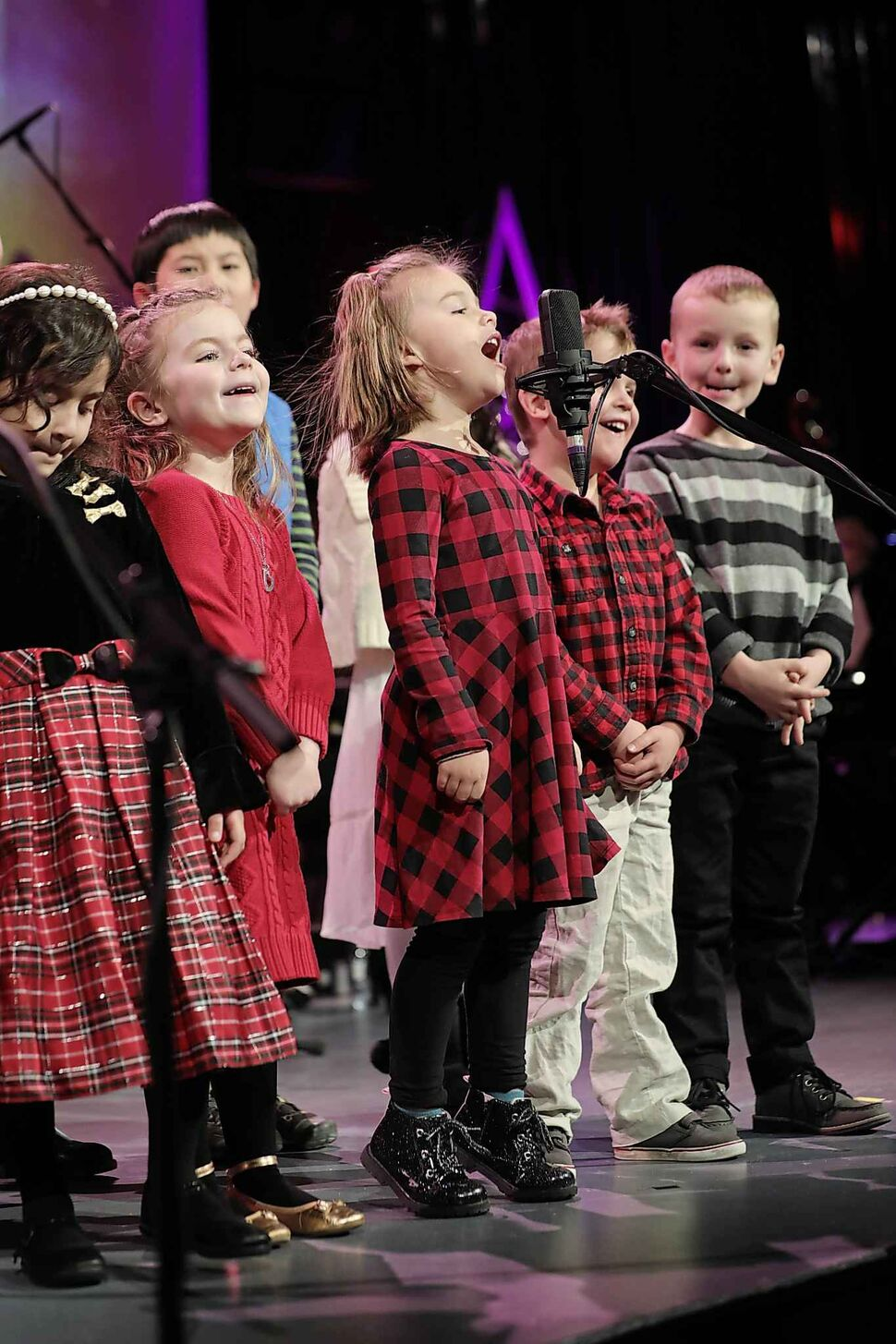 Grant Memorial Church hosts a festive concert with new and classic Christmas music, presented by their community Christmas choir, youth choir and our King's Kids Choir on Dec. 15. (Ruth Bonneville / Winnipeg Free Press)