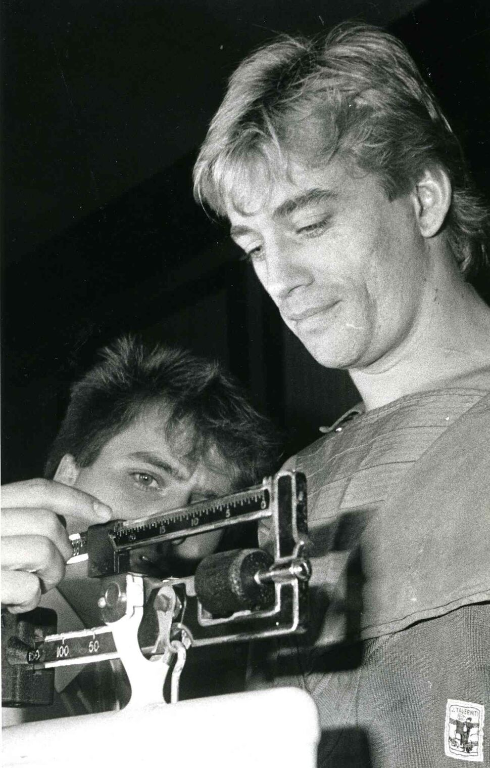 Donny Lalonde weighs in before a fight in 1985. (JIM HAGGARTY / WINNIPEG FREE PRESS FILES)
