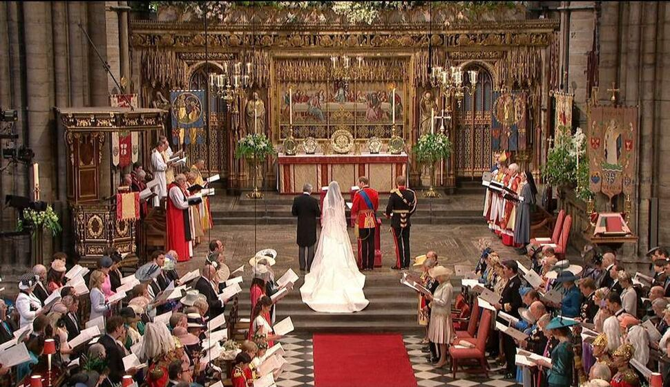 In this image taken from video, Britain's Prince William and Kate Middleton stand at the alter at Westminster Abbey for the Royal Wedding in London on Friday, April, 29, 2011. (AP Photo/APTN) (CP)