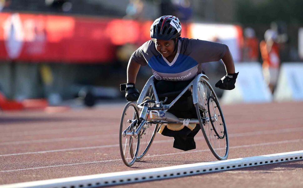 TREVOR HAGAN / WINNIPEG FREE PRESS</p><p>BC's Yeshi Renaerts smiles as she approaches the finish line of the para female 1500m wheelchair event, Thursday, Aug. 3, 2017.</p>
