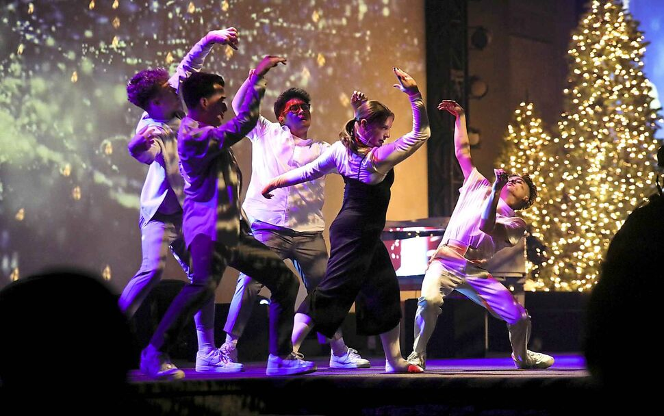 Springs Church youth dance team perform during its special Christmas production. (Ruth Bonneville / Winnipeg Free Press)