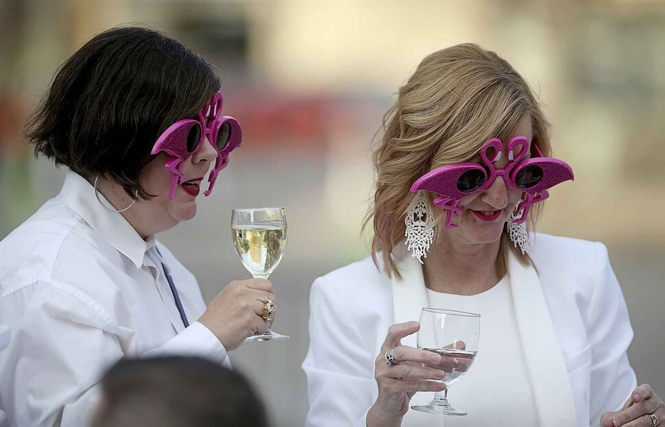 Pink flamingo sunglasses are a must-have accessory for these guests.</p>
