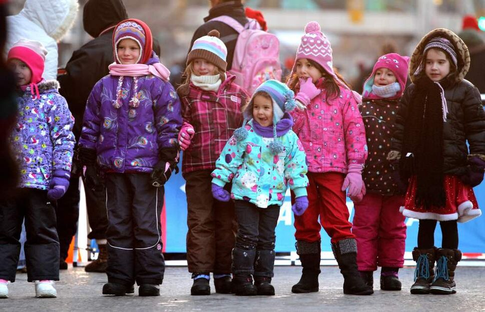 Rows of anxious kids await Santa's arrival. (Ruth Bonneville/Winnipeg Free Press)
