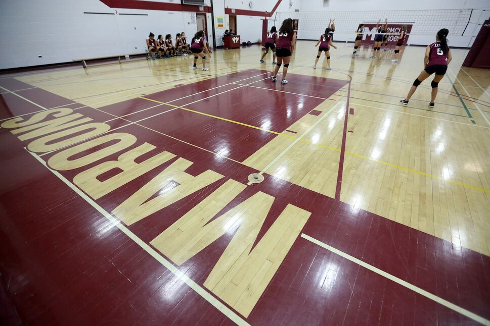 The Daniel McIntyre Collegiate Institute Maroons hosted the Grant Park Pirates in junior varsity volleyball action Thursday afternoon. (TREVOR HAGAN / WINNIPEG FREE PRESS)
