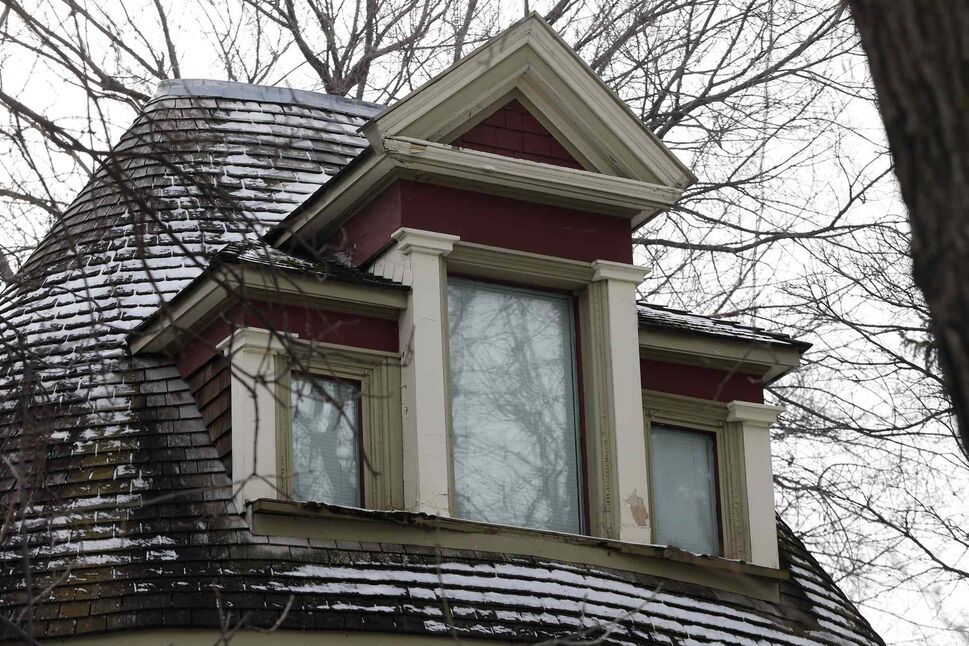 Detailing around the upper-level windows. (KEN GIGLIOTTI / WINNIPEG FREE PRESS)