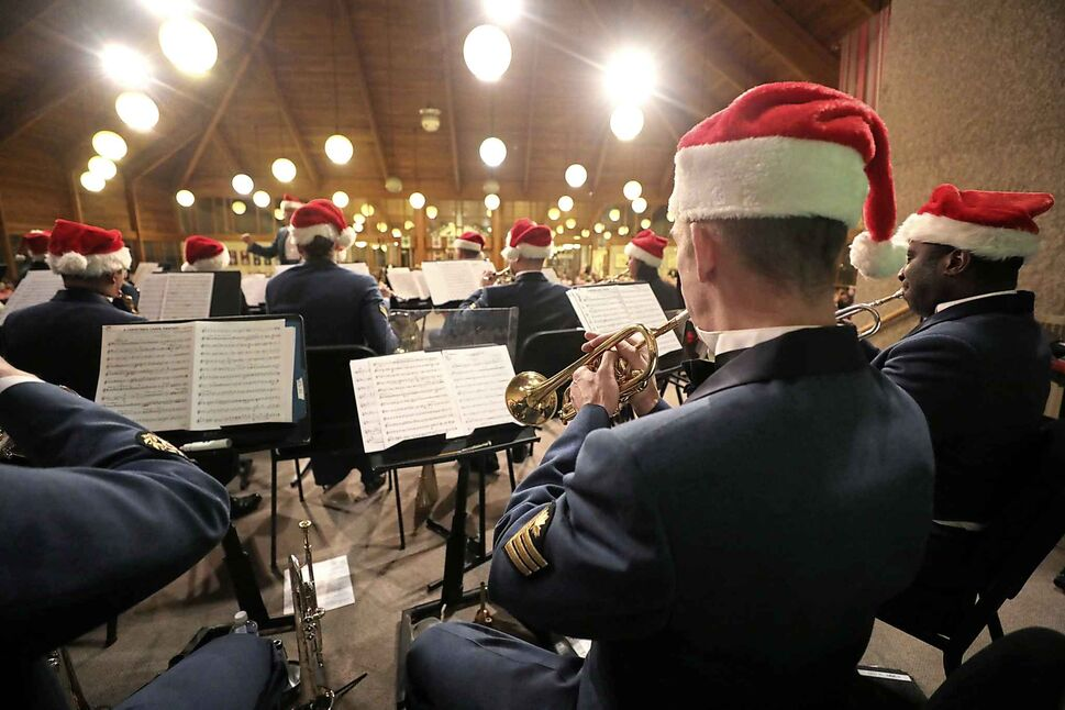 The Royal Canadian Air Force Band performs a Home for the Holidays concert at St. Boniface Cathedral on Dec 11. (Ruth Bonneville / Winnipeg Free Press)