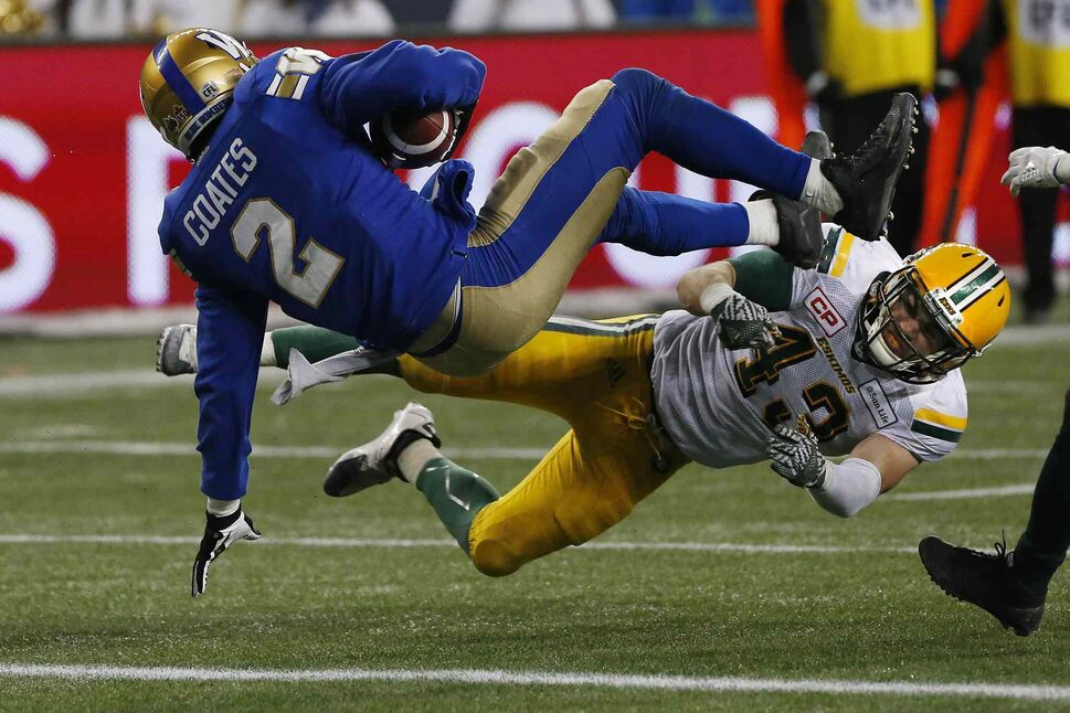 JOHN WOODS / THE CANADIAN PRESS</p><p>Winnipeg Blue Bombers' Matt Coates (2) makes it across the line for the two points despite getting hit by Edmonton Eskimos' Neil King (43) during second half CFL western semifinal action in Winnipeg on Sunday, November 12, 2017.