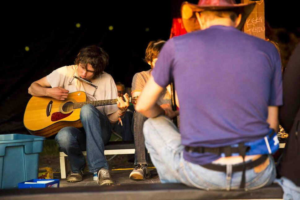 Curtis Falk jams the night before folk fest at Birds Hill Park on Wednesday, July 8, 2015. (Mikaela MacKenzie / Winnipeg Free Press)
