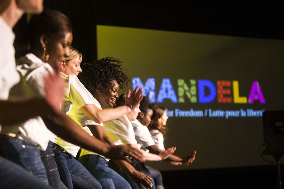 MIKAELA MACKENZIE / WINNIPEG FREE PRESS</p><p>NAfro dancers at a gala celebrating the opening of the Mandela exhibition at the Canadian Museum for Human Rights.</p>