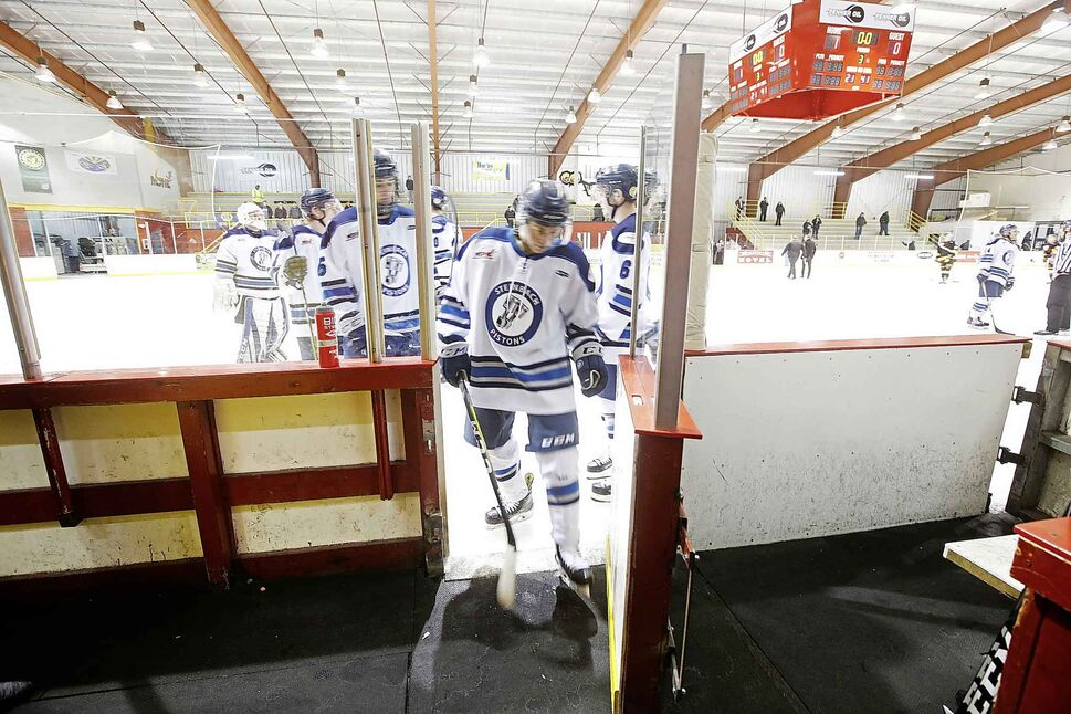 The Pistons leave the ice after losing to the Wolverines.</p>