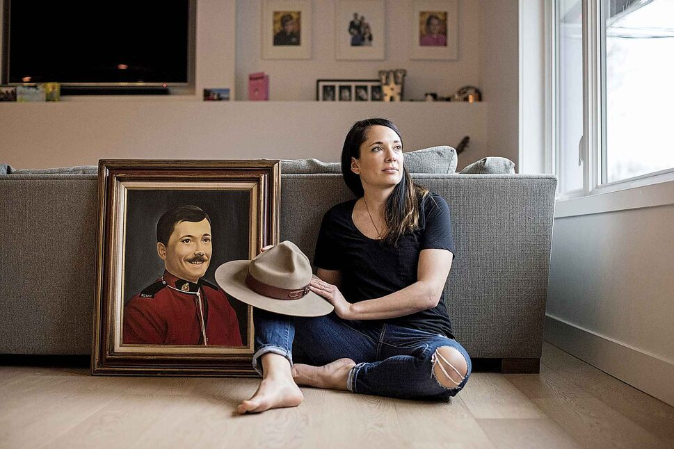 JIMMY JEONG / WINNIPEG FREE PRESS</p><p>January 19 — Beck Williams with a portrait of her father, RCMP officer Dennis Onofrey and his Stetson hat at her North Vancouver home. Onofrey was killed forty-years-ago during confrontation at a motel in Virden, MB that led to a 93-hour hostage taking in Oak Lake, MB.</p>