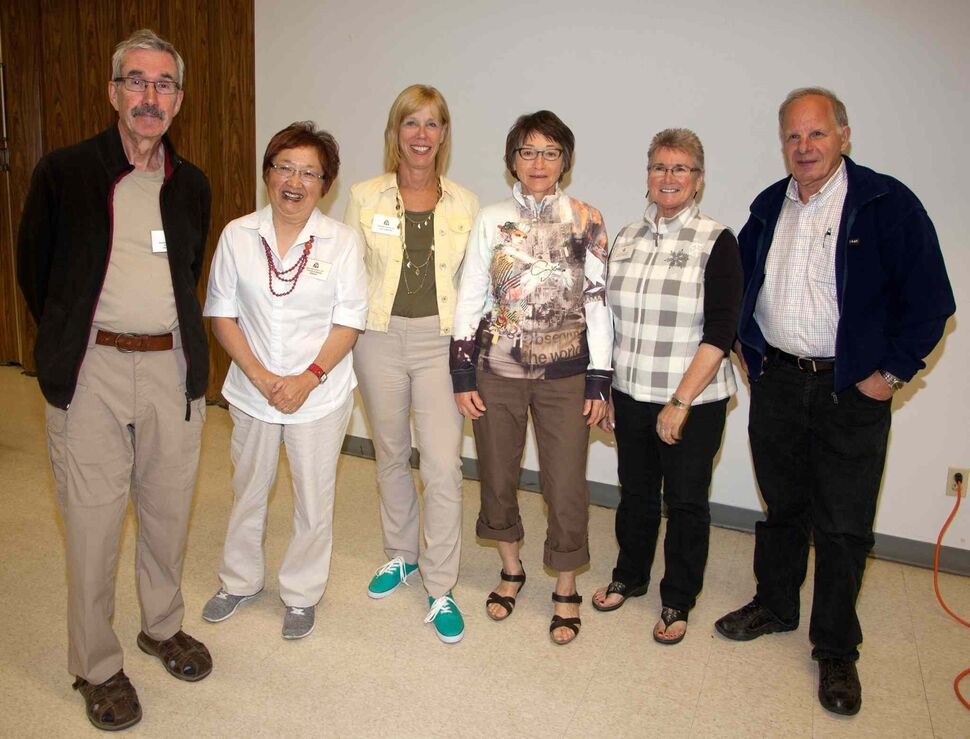The Manitoba Camera Club has been a gathering place for shutterbugs since 1932. They meet every Tuesday from September to April. Pictured, from left, at their Sept. 8, 2015 meeting are Wolfgang Hackenbroch, Terumi Kuwada (secretary), Gale Simpson (social), Lynn Bendinger, Mary Lou Milhaussen (treasurer) and Reg Dellannoy.  (JOHN JOHNSTON / WINNIPEG FREE PRESS)