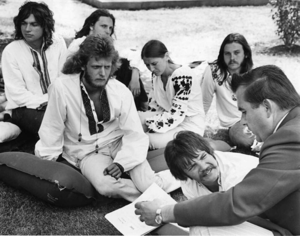 Winnipeg Free Press Archives August 6, 1974 Education Minister Ben Hanuschak of Manitoba (right) joined a group of Ukrainian young people on a hunger strike outside the Manitoba legislature for a brief period Wednesday afternoon. The Winnipeg students, on a diet of water for more than a week, are striking in support of imprisoned Ukrainian writer Valentyn Moroz. They are (left to right) Roman Zajcew, Roman Pendiuk, Ihor Hloszok, Marika Proskorenko, Ihor Pidhirnyj and Stephan Welhasch.