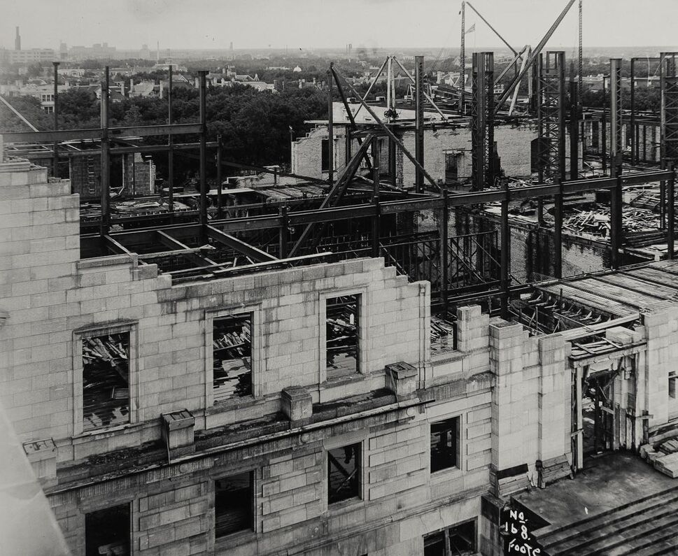 Construction in June 1916 (Archives of Manitoba).