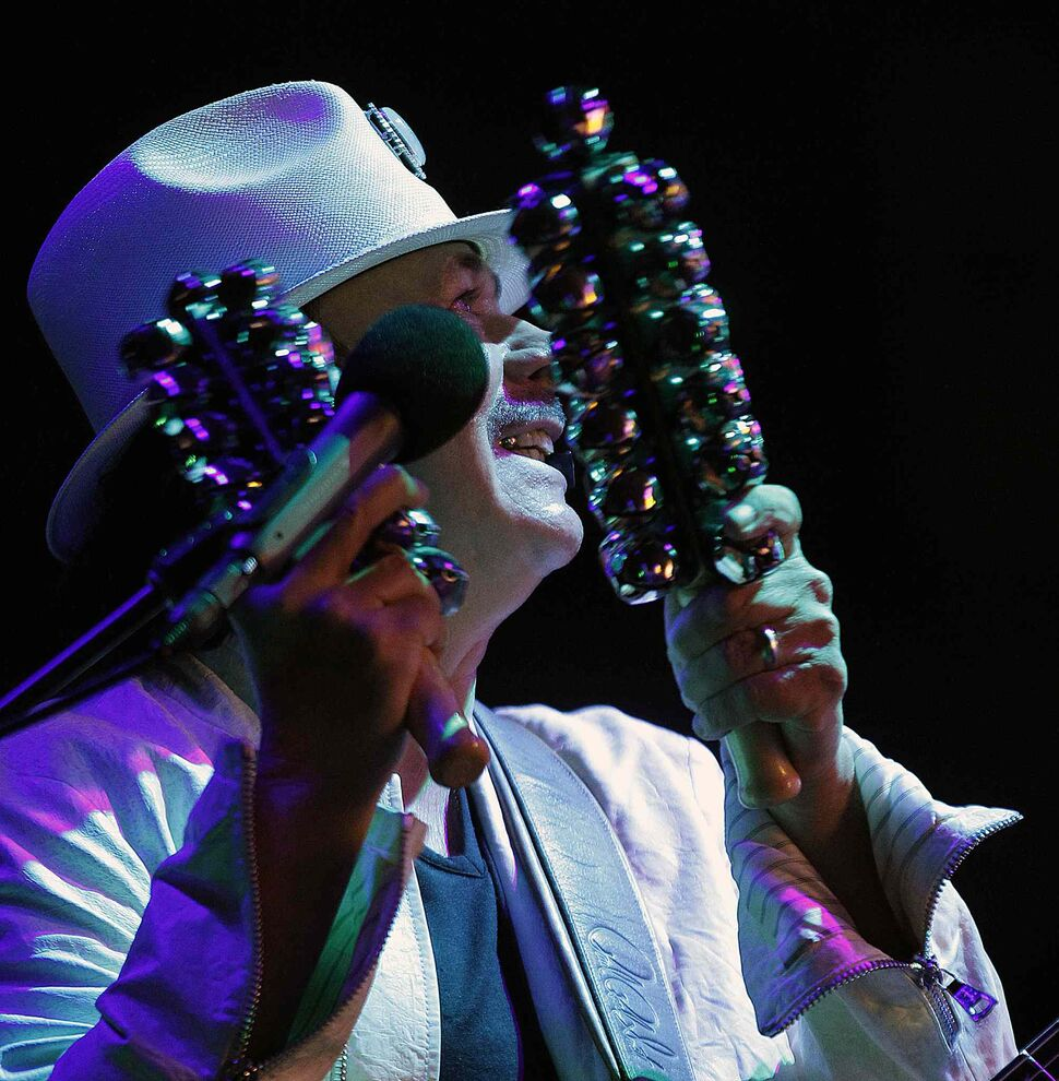 PHIL HOSSACK/ WINNIPEG FREE PRESS</p><p>Carlos Santana in concert at Bell MTS Place Wednesday evening, March 14, 2018.</p>