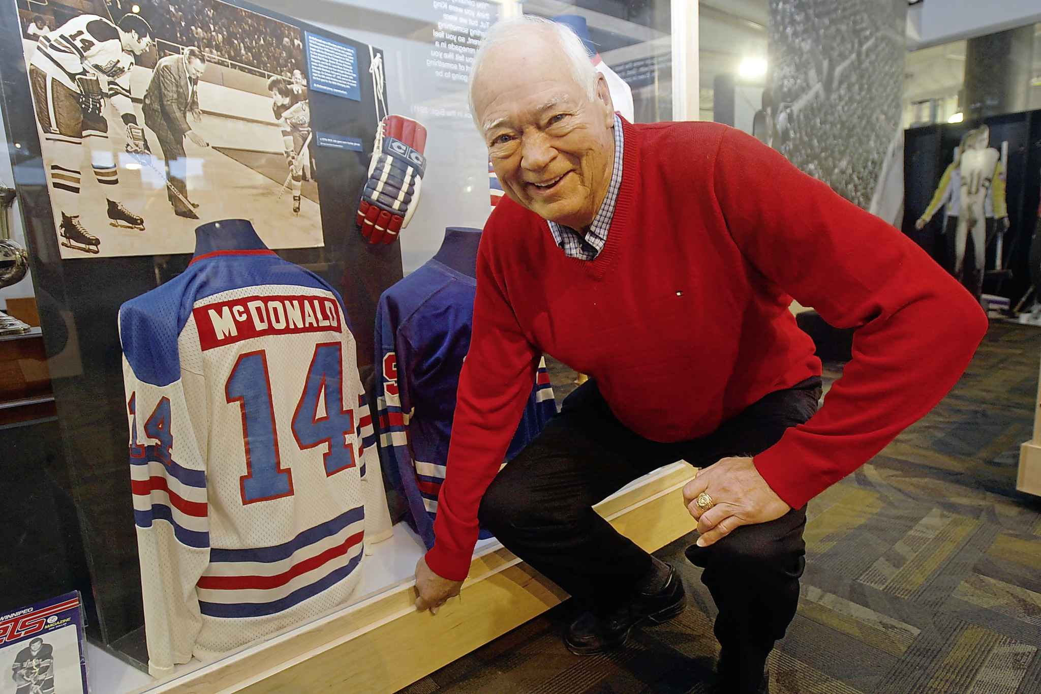 Hockey legend Ab McDonald was one of many notable Manitobans we lost in 2018. (Joe Bryksa / Winnipeg Free Press files)