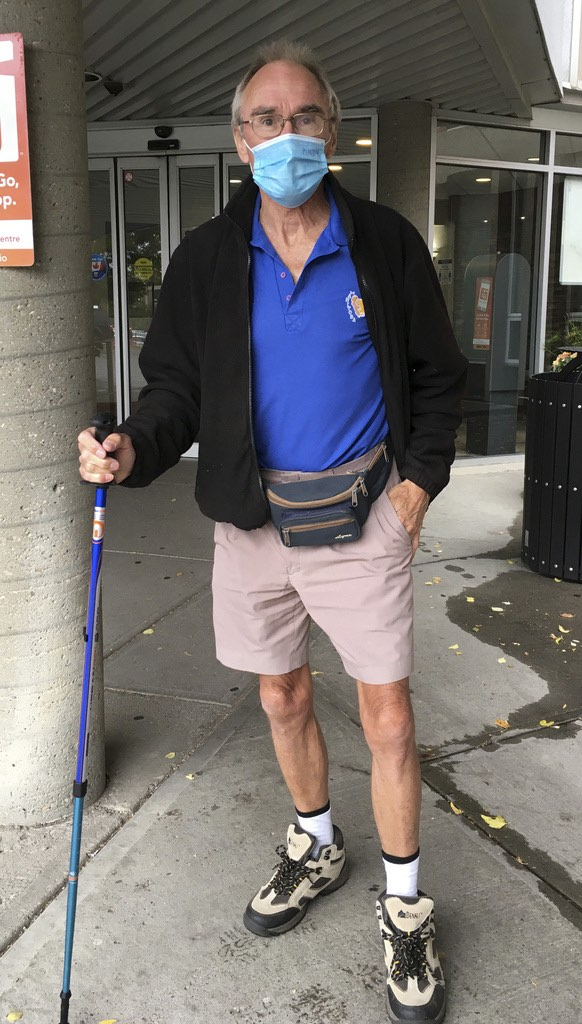 Andy Maxwell, a retired dentist from Swan River, outside a Calgary hospital before hip surgery on Wednesday. (Supplied photo)