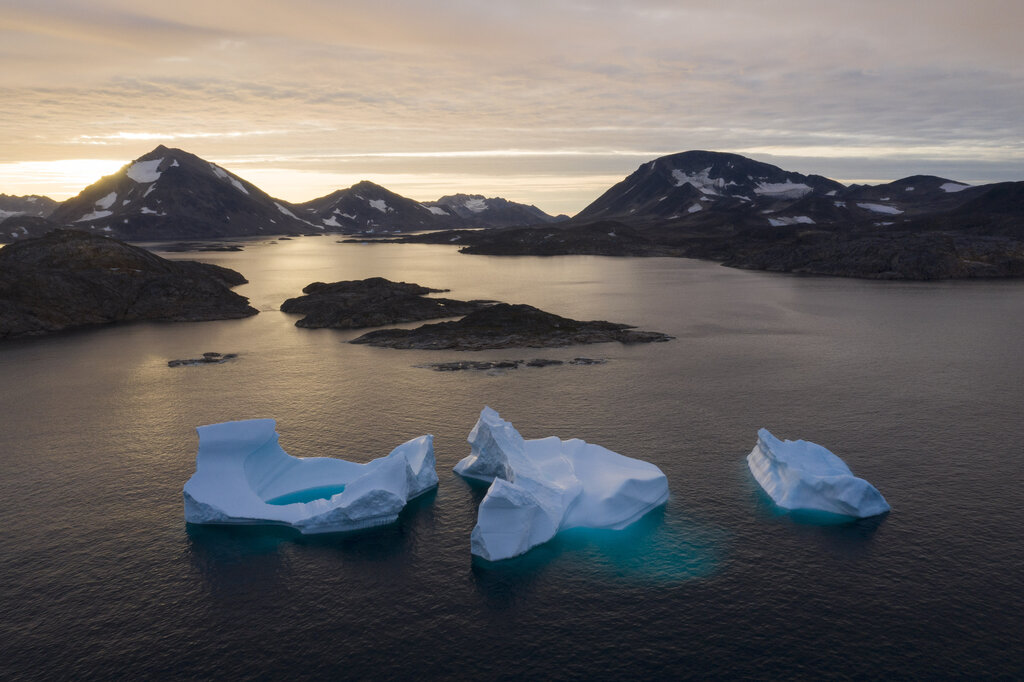 Arctic ice continues to melt at faster rates than scientists anticipated. (Felipe Dana / The Associated Press files)