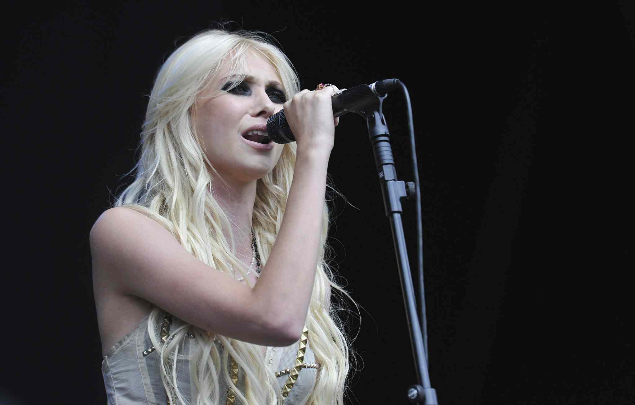 U.S singer Taylor Momsen of the Pretty Reckless performs at the 2010 V Music Festival in Chelmsford, Essex.