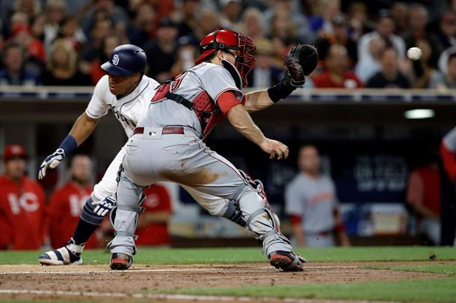 Padres compound Reds' road woes with 3-game sweep
