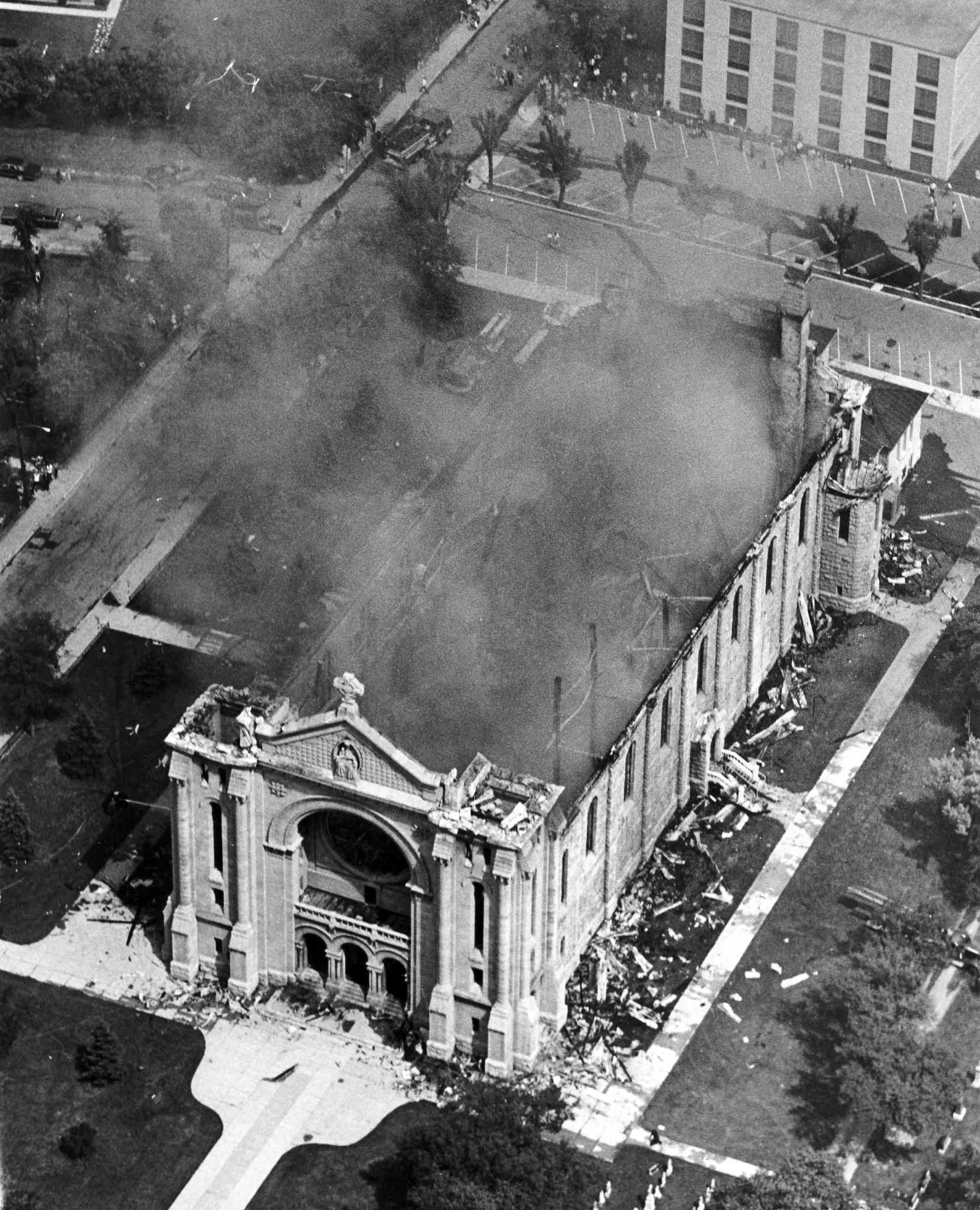 An aerial view of the St. Boniface Cathedral fire on July 22, 1968. (Winnipeg Free Press Archives)