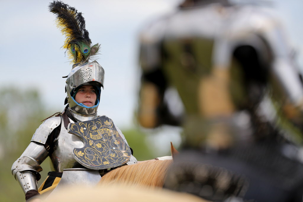 Participants prepare for a jousting competition. (Trevor Hagan / Winnipeg Free Press)