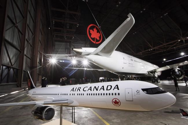 Air Canada boosts Transat bid by C$200 million