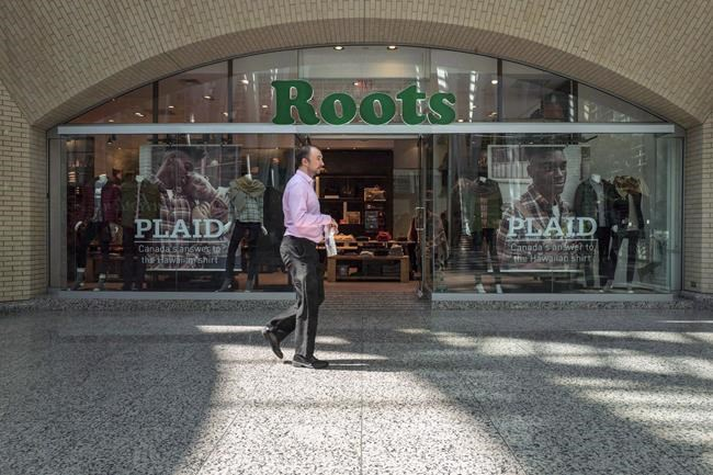 The storefront of a Roots location in Toronto is pictured on Thursday, September 14 , 2017. Retailer Roots Corp. reported a loss of nearly $9.7 million in its latest quarter as the company fell short of expectations. THE CANADIAN PRESS/Chris Young