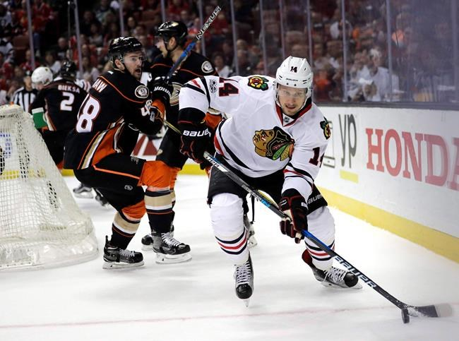 Blackhawks sign forward Richard Panik to a two-year deal