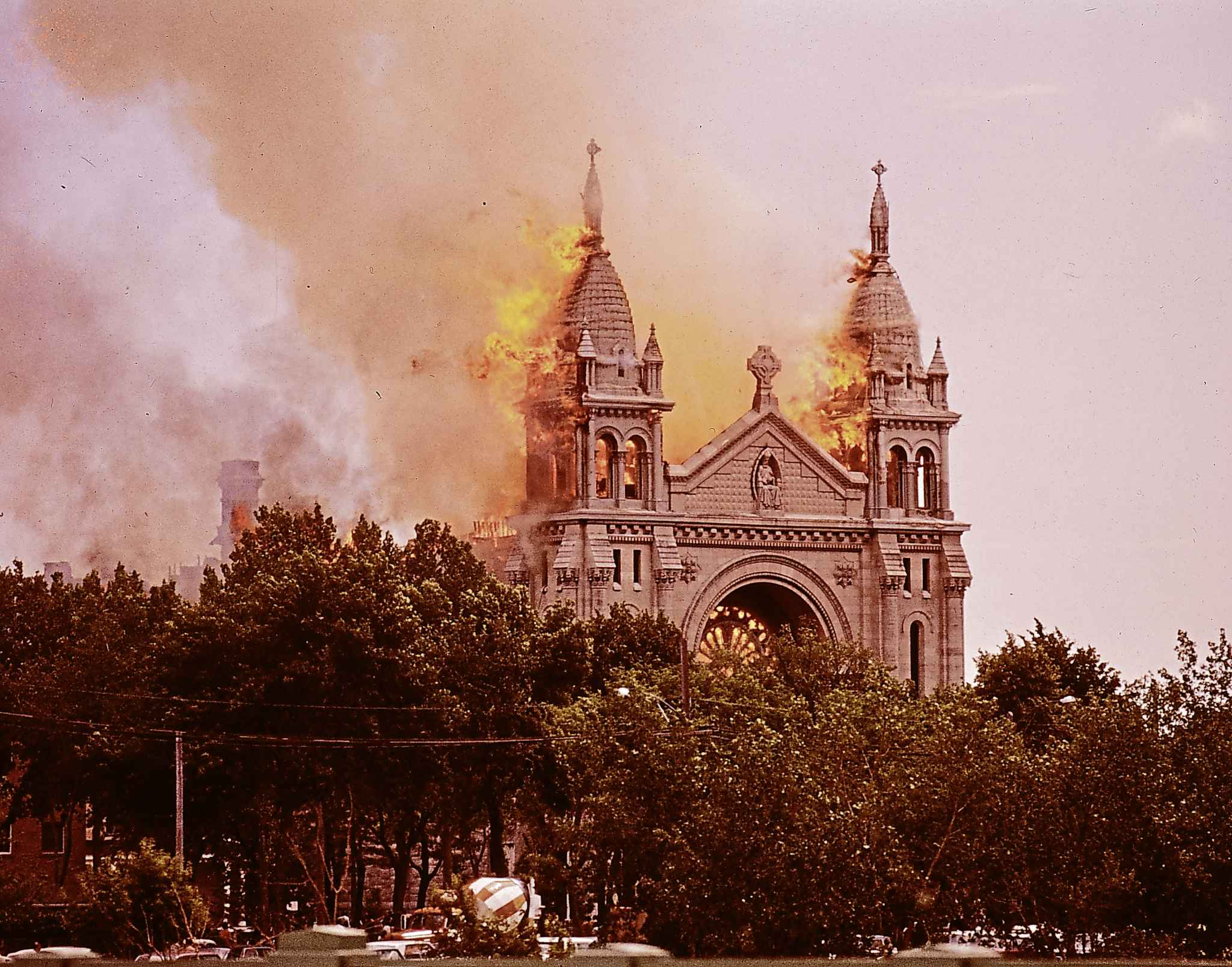 St. Boniface Cathedral fire. (Photo by Henry Kalen)