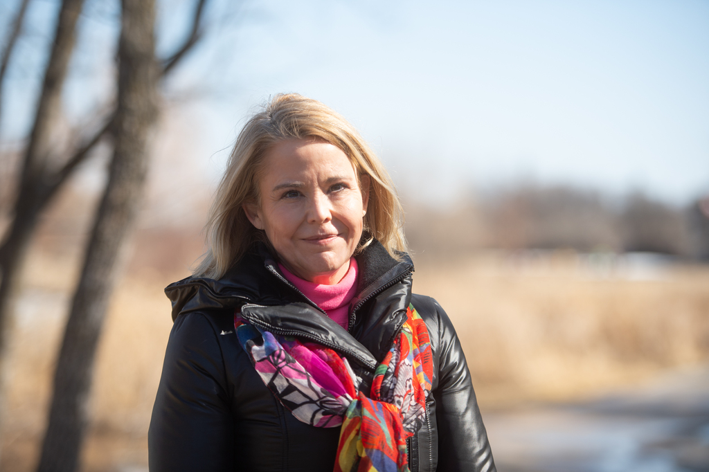 The indoor mask mandate should have been the last restriction lifted, says Winnipeg epidemiologist Cynthia Carr. (Mike Sudoma / Winnipeg Free Press files)