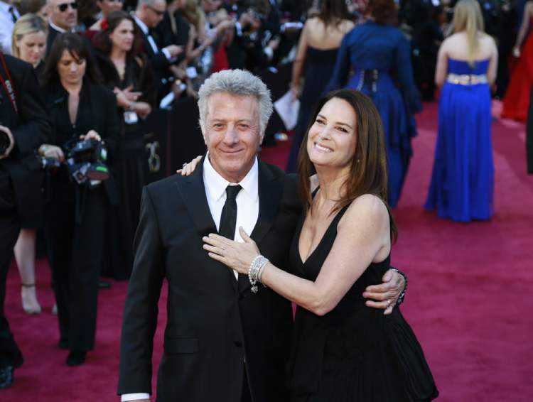 Dustin Hoffman and Lisa Gottsegen (Allen J. Schaben / Tribune Media MCT)