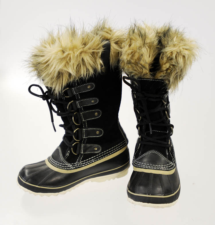 The Joan of Arctic Premium, nearly to the knee boot is an extension of the Caribou, but comes with a faux fur snow cuff to keep you extra warm.