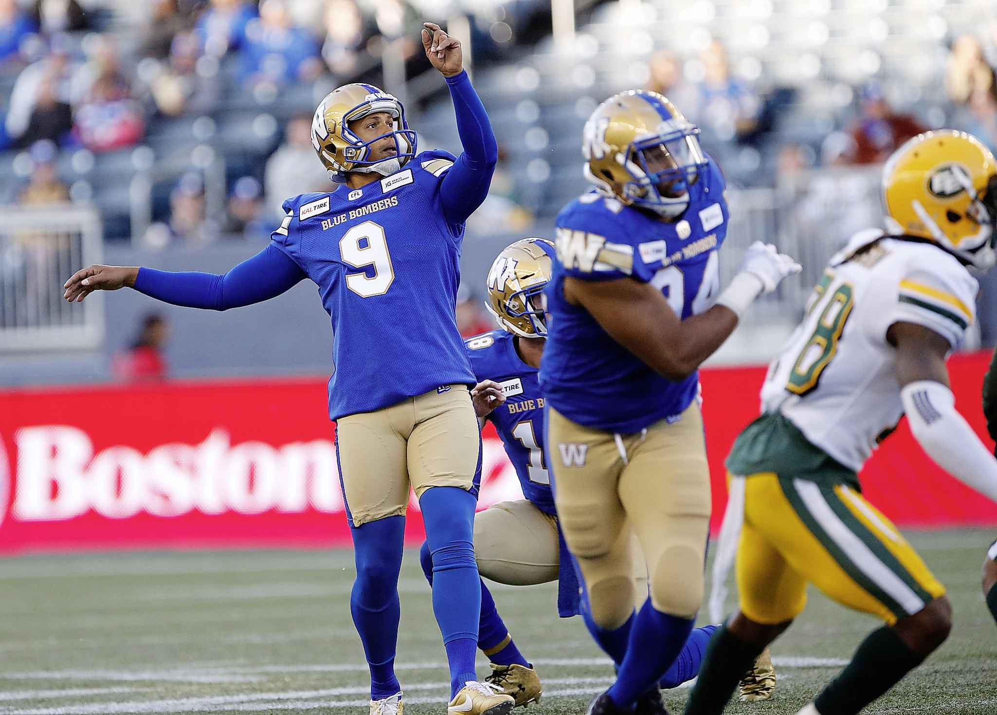 JOHN WOODS / THE CANADIAN PRESS FILES</p><p>Winnipeg Blue Bombers kicker Justin Medlock continues to be one of the league's best punters, with a career-high average of 45.2 yards per boot.</p>