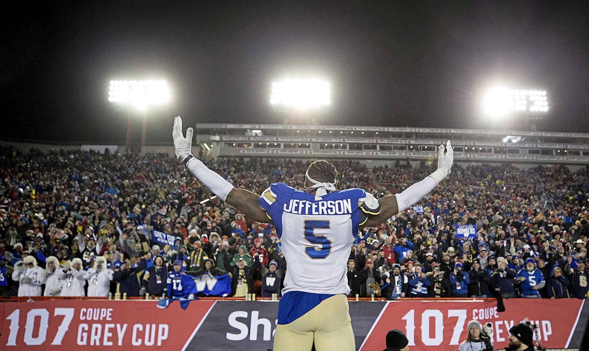 Winnipeg Blue Bombers' Willie Jefferson celebrates winning the 107th Grey Cup against the Hamilton Tiger Cats in Calgary, Sunday.