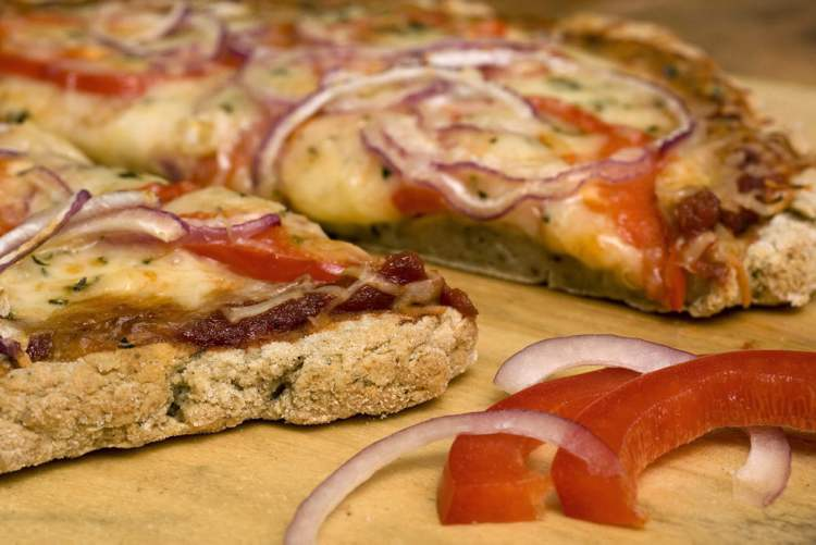 A great tasting gluten-free pizza crust is possible with the right ingredients and technique.