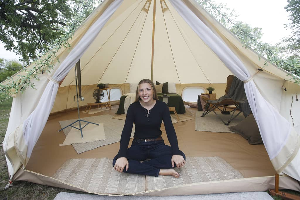 """Sarah Scott, owner of Canadiana Camper & Co., launched the venture so her clients can enjoy a relaxing """"glamping"""" experience in their own backyards."""