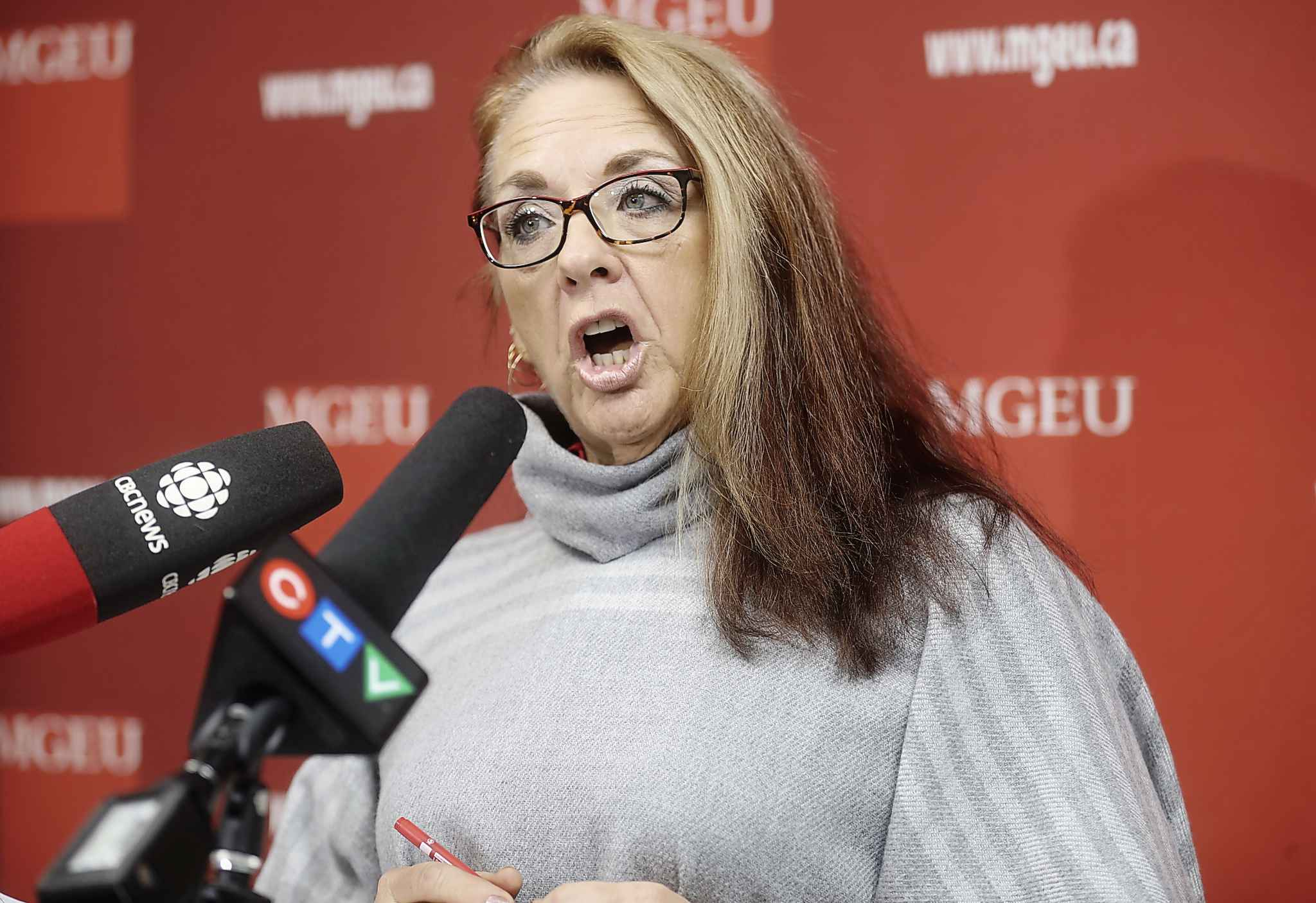 MGEU President Michelle Gawronsky speaks to reporters at the MGEU Head Office about disruptions to the health care system, Thursday.
