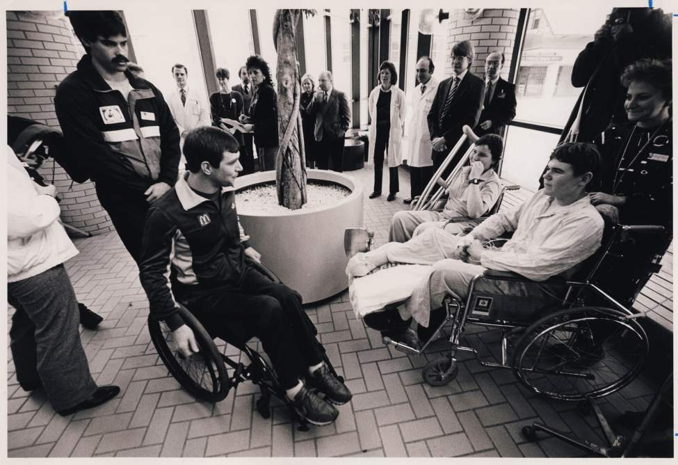 Rick Hansen meets with patients at the Rehab Hospital during an news conference announcement. Wayne Glowacki / Winnipeg Free Press Archives January 20, 1987