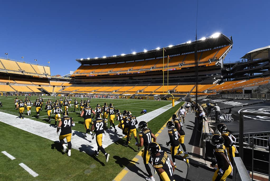 The Pittsburgh Steelers will be playing if front of an empty stadium now thanks to new restrictions in Pennsylvania, which came into effect on Friday.