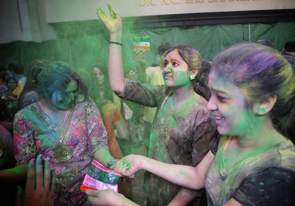 Hundreds gathered to observe Holi, a religious spring festival celebrated by Hindus as a festival of colours at the Dr. Raj Pandey Hindu Centre Sunday afternoon. (MIKE DEAL / WINNIPEG FREE PRESS)