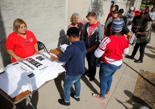 Chicago parents relieved as teachers, district avert strike