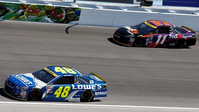 Chase Elliott, Jimmie Johnson flash Hendrick Motorsports' signature speed