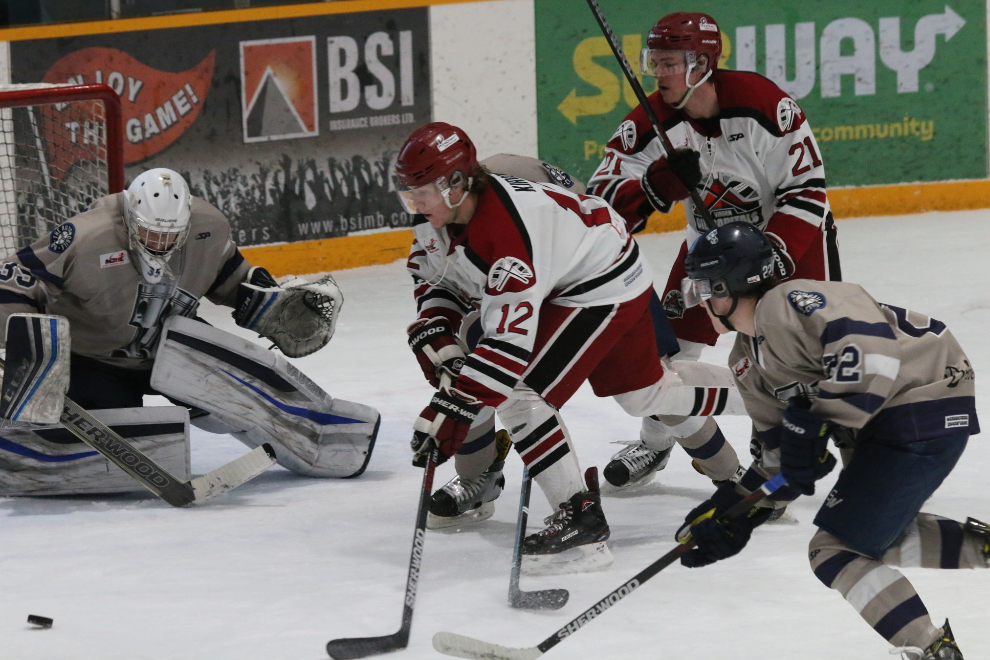 The surging Steinbach Pistons won their ninth straight game Wednesday night in Steinbach with a 6-1 victory over the Virden Oil Capitals.