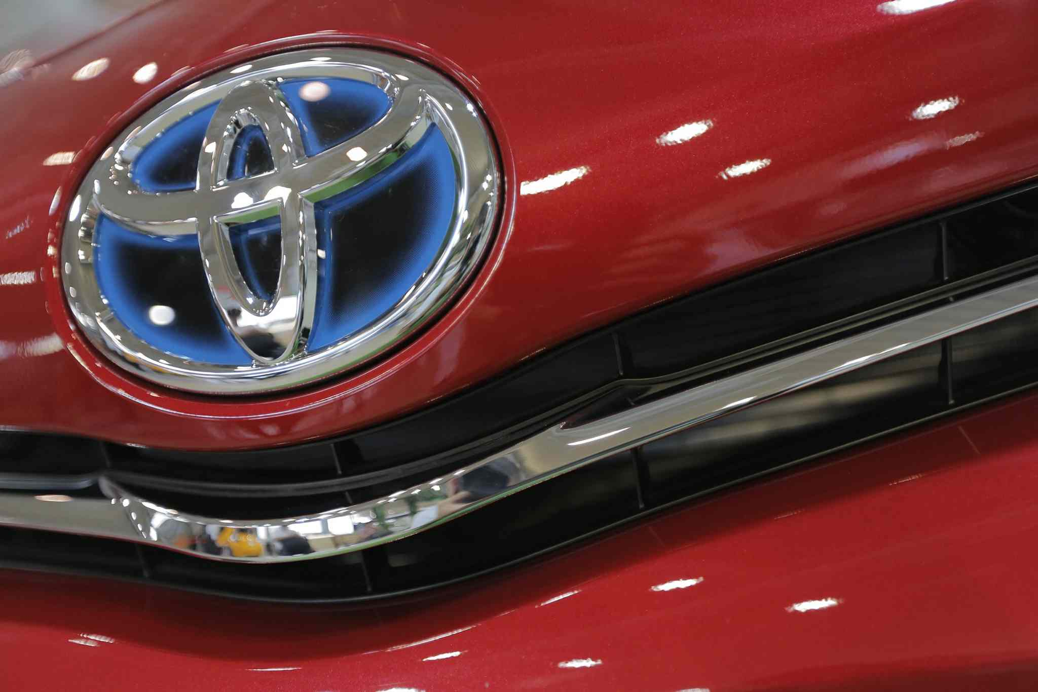 Toyota Motor Corp. sold a record 9.98 million vehicles worldwide last year and aims to top the 10-million-unit mark this year.