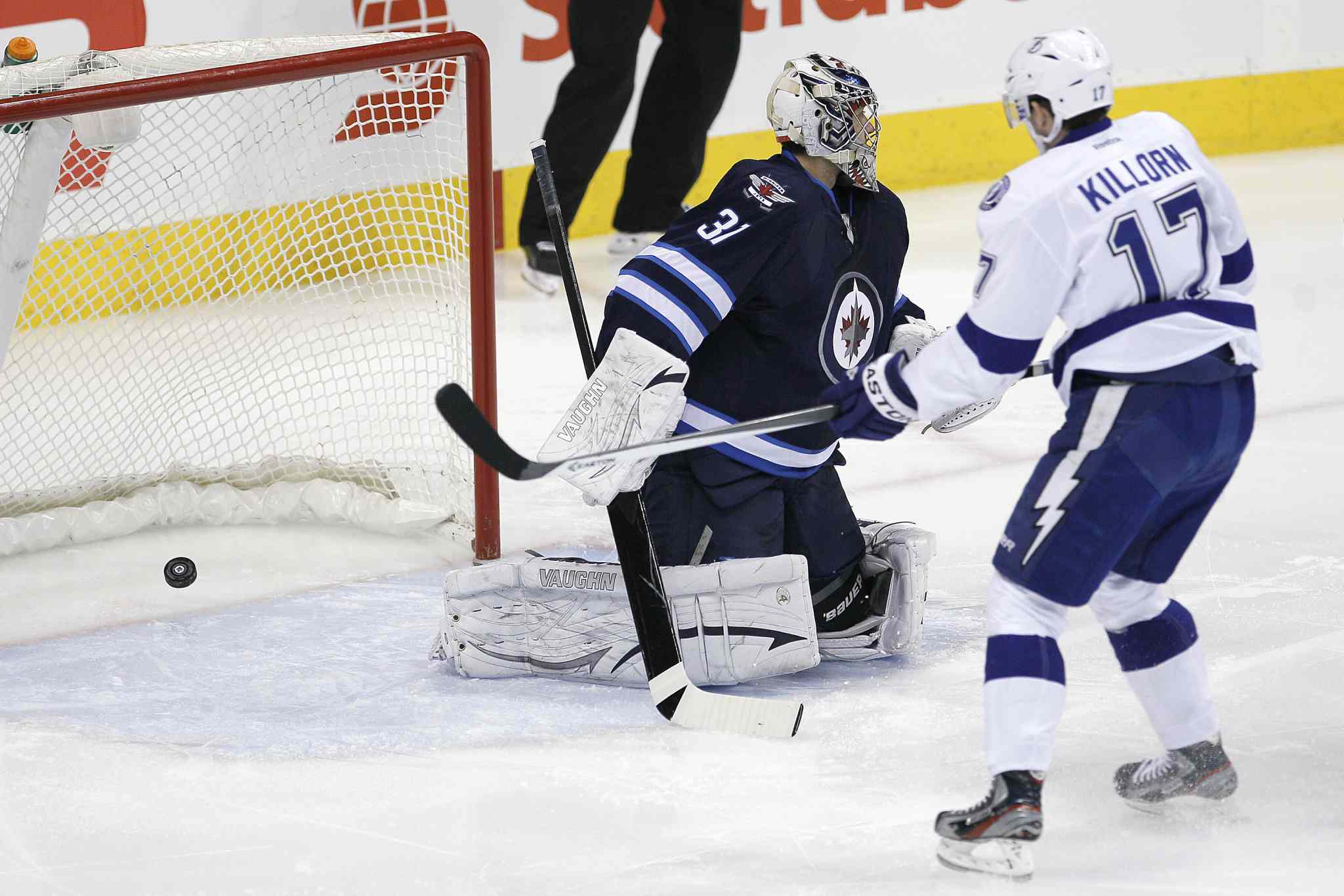 Tampa Bay Lightning's Valtteri Filppula (51) beats Winnipeg Jets' goaltender Ondrej Pavelec (31) on his first shot in the first period Tuesday.