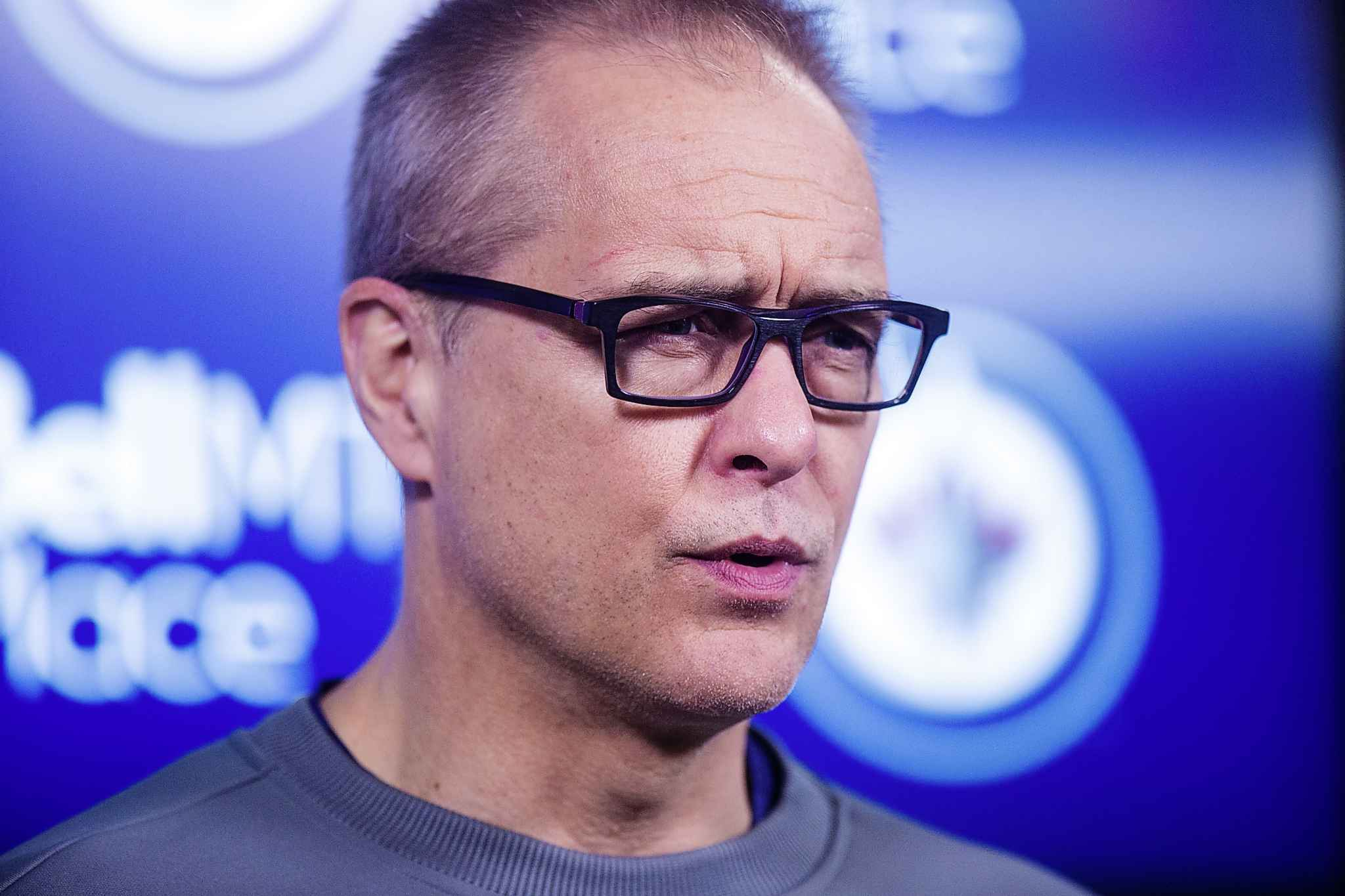 Point de presse a Winnipeg JETS_PAUL_MAURICE_181010_Jets_practice_0593