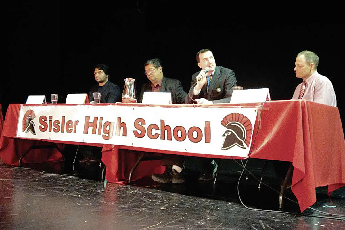 (From left) Winnipeg North candidates Harpreet Turka (Con), Levy Abad (NDP), John Redekopp (Green) and Kevin Lamoureux (Lib) participated in Sisler's federal election forum.