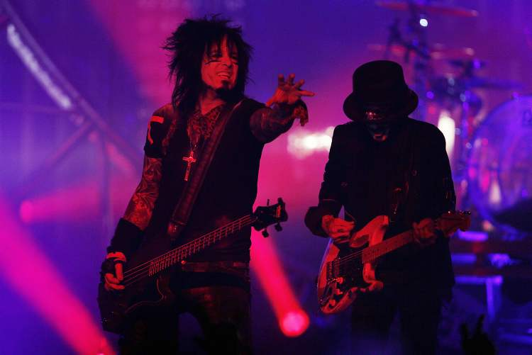 Mötley Crüe performs at the MTS Centre in Winnipeg Tuesday, May 7, 2013.  (Winnipeg Free Press)